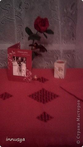 работа 12-летней дочери-подарок мне ко Дню рождения.скатерть и 6 салфеток.