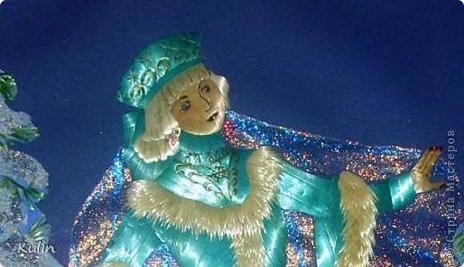 Вот такая девочка-снегурочка, вмеру холодная и вмеру грустная и веселая одновременно фото 3