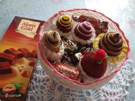 1 декабря-День Рождение нашей страны-Страны Мастеров! От всей души поздравляю создателей этой прекрасной Страны Татьяну Николаевну и Анупа,всех Мастеров и Мастериц с этим событием и приглашаю всех на праздничное чаепитие! К чаю подаю всем пирожное. фото 8