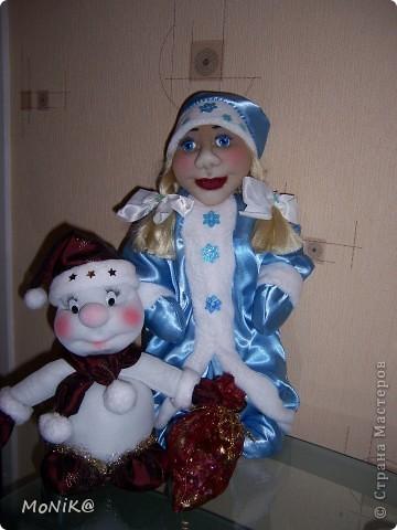 Ну вот снеговику теперь не так скучно ...Теперь дело за Дедом морозом )) фото 1