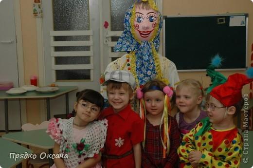 Делали Куклу-Масленницу для детишек в садик и хороводное солнышко. Солнышко сниму в этом году и обязательно всем покажу.
