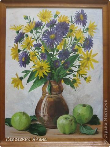"""Посмотрите на мои летние цветы. Написаны маслом. Рисовала в отпуск года три назад. """"Напало"""" на меня вдохновение, никак не смогла от него отбиться... Перерисовала все цветы на даче, потом у соседей... и так до тех пор, пока отпуск не кончился и не увезли меня с дачи!  """"Полевые ромашки и цикорий"""" На мой взгляд немного тяжеловата ваза, но когда рисовала другой под рукой не было. фото 3"""