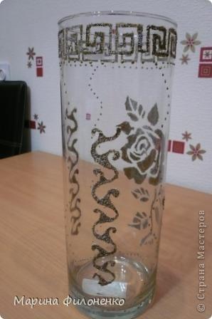Мастерицы, вот решила из обычной стеклянной вазы сделать необычную. А делалась она за один вечер в подарок на годовщину свадьбы, у них катастрофически не хватало в доме ваз)))) фото 2