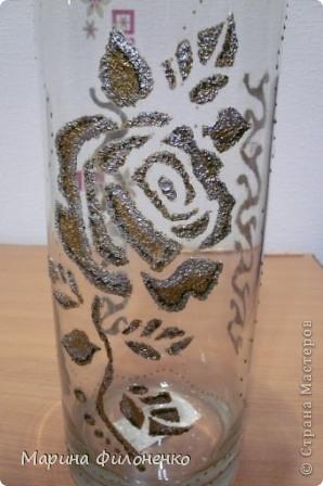 Мастерицы, вот решила из обычной стеклянной вазы сделать необычную. А делалась она за один вечер в подарок на годовщину свадьбы, у них катастрофически не хватало в доме ваз)))) фото 4