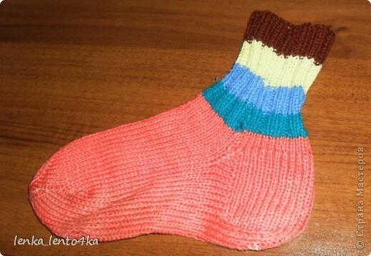 Уж не знаю за что,но люблю я эти старые носочки.Наверное потому,что вязала их одними из первых. фото 2