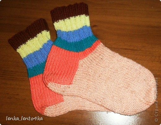 Уж не знаю за что,но люблю я эти старые носочки.Наверное потому,что вязала их одними из первых. фото 1