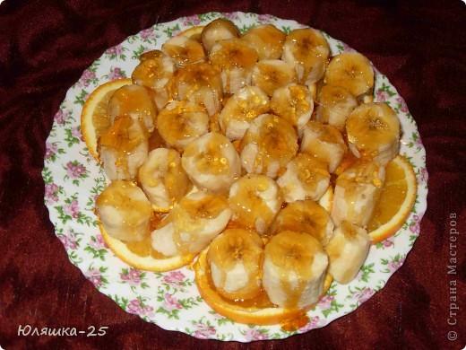В преддверии Нового года в Стране очень много замечательных работ и новых идей для подарков. Я хочу поделиться с вами вкусненьким десертом из апельсинов, бананов и карамели. Все очень просто и быстро!