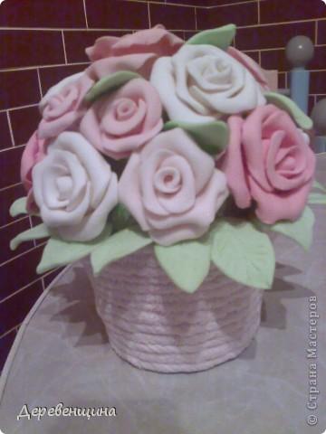 Приходила подруга двадцать пятый  раз  и опять умоляла сделать ей вазу. С целью заработать  кофе и конфеты в будущем  я решила исполнить её желание. Заодно и вам МК подброшу. Итак, приготовились. Надо разные типы трубочек. Но, по порядку. фото 19