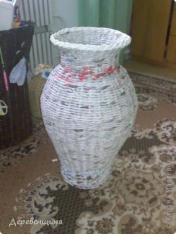 Приходила подруга двадцать пятый  раз  и опять умоляла сделать ей вазу. С целью заработать  кофе и конфеты в будущем  я решила исполнить её желание. Заодно и вам МК подброшу. Итак, приготовились. Надо разные типы трубочек. Но, по порядку. фото 17
