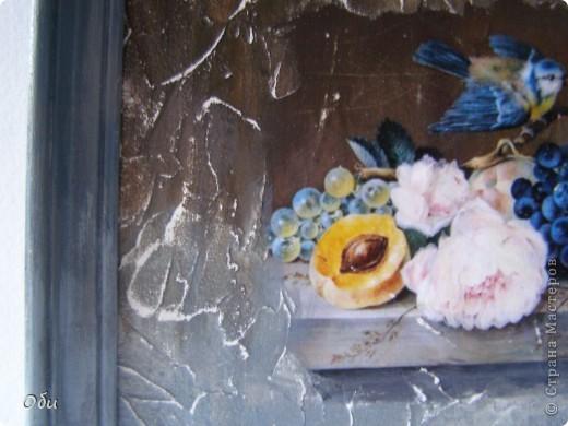 Решила показать работу. Это имитация фрески. Использовалась Таировкая грубая паста, распечатка, акриловае краски и матовый лак. Хочу поблагодарить Жукову Марину, которая научила своему мастерству. Мне очень понравились такие работы и я уже накупила декупажных карт и жду лета. Хочу на даче воплотить свою мечту и сделать имитацую фрески на стенах, благо они просто штукатуренные. Для состаривания работы проходятся наждачной бумагой. фото 3