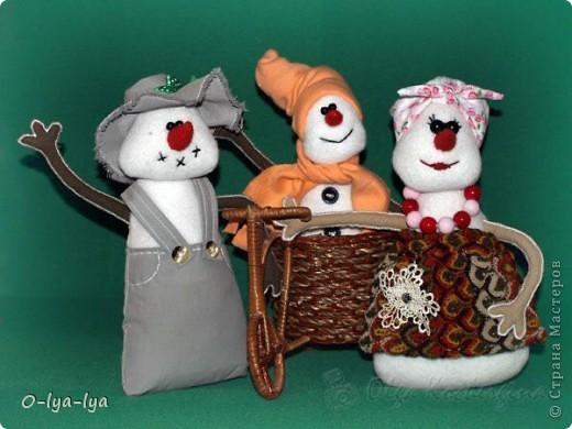 Веселая снежная семейка Мама, папа и сынок фото 2
