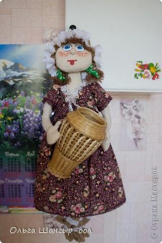 Вот и моя куклёша, шила в подарок сестре.   Кукла-пакетница.  фото 2