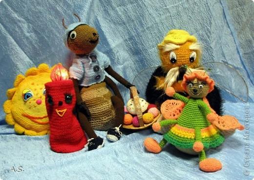 """На Пасху ставили спектакль """"Тёплая слезинка"""" для детей. И куклы и все декорации связаны крючком. Такие необычные декорации к спектаклю сделали мастерицы из нашего семейного клуба """"Ковчег"""" фото 11"""