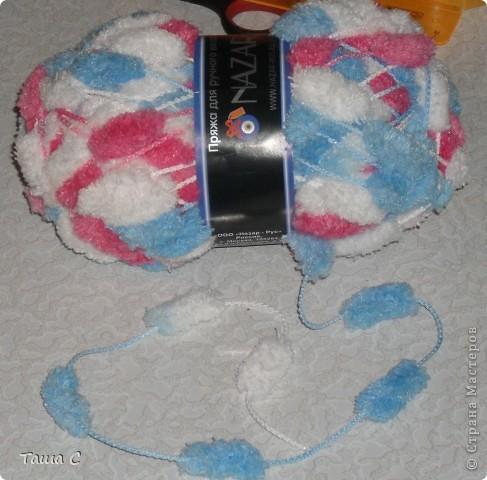 Сделано дерево из пряжи, которая состоит из пушистиков на нитке, трех цветов розовый, белый и голубой! Все шарфы вяжут, а я дерево соорудить решила, назвала его ПУШ фото 10