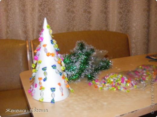 Какой же Новый год без елочки. Мастер классов по изготовлению елочек было уже много , поэтому кратенько. фото 2