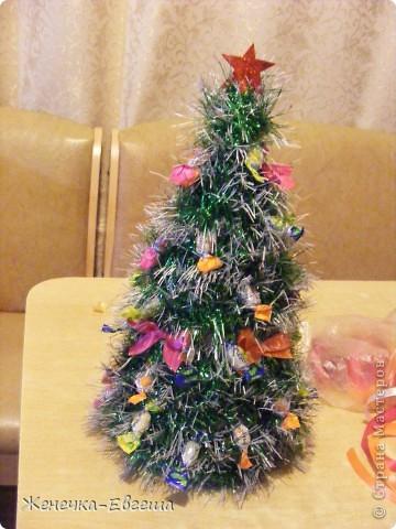 Какой же Новый год без елочки. Мастер классов по изготовлению елочек было уже много , поэтому кратенько. фото 4