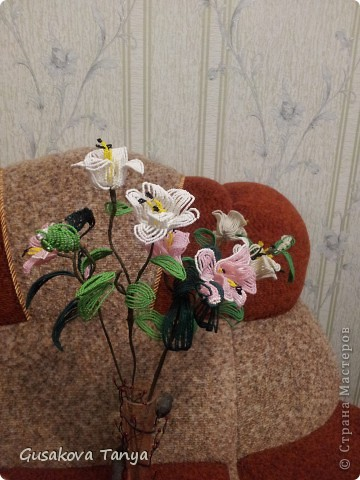 Лилии из бисера для жены брата. фото 1