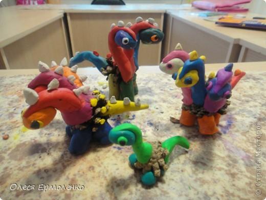 Всем приветульки! Скоро Новый Год ! И мы лепили дракона, посмотрите деткины шедевры 8-9 лет. фото 2