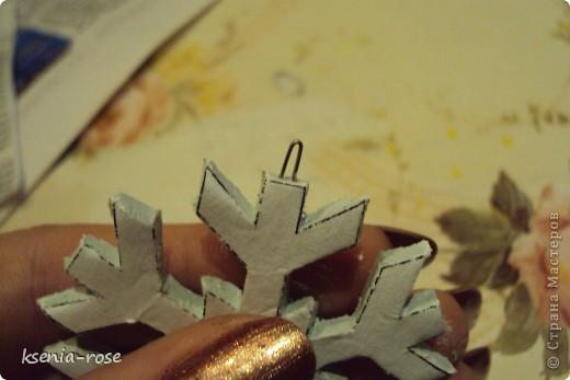 Дорогие мастерицы! Хочу представить на ваш суд мой первый мастер класс по изготовлению ёлочной игрушки из моделирующей массы ( глина).  Вот такие игрушки появятся у нас в конце! фото 8