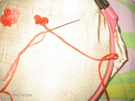 Для одной из поделок мне понадобилось небольшое панно с розочками. Я вспомнил, что много лет назад в школе, на уроках домоводства мы делали симпатичные вышивки.  фото 3