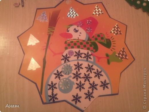 До Нового года рукой подать. И мы с моей ученицей Машей Мавлиевой начали усиленно готовиться к празднику. Вот такая открытка-малышка у нас получилась.  фото 7