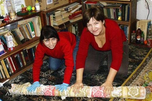Всем мастерицам - доброго времени суток! Хочу поделиться с вами радостью: у меня теперь есть замечательный шерстяной шарфик, который родился в руках (и ногах) моих и моей подруги Леночки (https://stranamasterov.ru/user/7907) фото 6