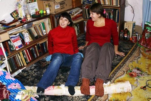 Всем мастерицам - доброго времени суток! Хочу поделиться с вами радостью: у меня теперь есть замечательный шерстяной шарфик, который родился в руках (и ногах) моих и моей подруги Леночки (https://stranamasterov.ru/user/7907) фото 7