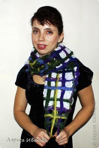 Всем мастерицам - доброго времени суток! Хочу поделиться с вами радостью: у меня теперь есть замечательный шерстяной шарфик, который родился в руках (и ногах) моих и моей подруги Леночки (https://stranamasterov.ru/user/7907) фото 16