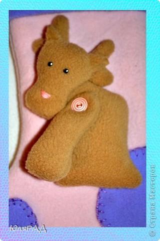 Дарить деткам новогодние подарки в коробочках и пакетиках, как-то неинтересно............а вот в новогодних носочках празднично и по-новому))) фото 3