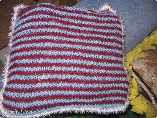 А ГДЕ ЖЕ СЕРДЕЧКИ??????? Про теневое вязание я уже писал. https://stranamasterov.ru/node/278275   Теперь небольшая поделка в этой технике. Решил сделать малюсенькую подушечку. фото 1