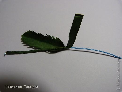 Ромашки-улыбашки.Такие ромашки были в моей работе http://stranamasterov.ru/node/270183 .Теперь хочу показать как их можно сделать.Это не сложно.Процесс немного отличается от существующих в Стране, поэтому и я хочу внести свою лепту.Особенно надеюсь помочь начинающим осваивать данный вид творчества. фото 17