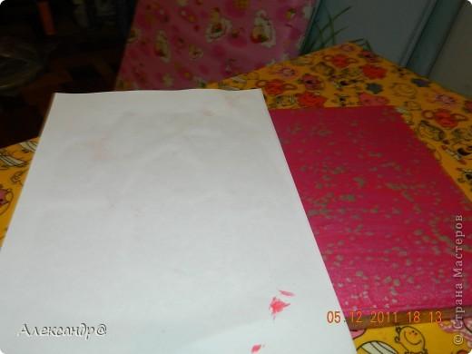 Обрабатываем и красим поверхность в тот чвет который вам нужно.даем высохнуть. берем краску разбавляем ее чтобы она была более жидкая(я брала воднодисперсионный лак)колеруем в тот же цвет только более темного оттенка,ну или в тот который захочется))) (мне нужен был контрастный цвет)  фото 4