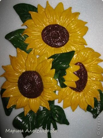 Герберы...очень люблю эти цветы! Они у меня первые...лепила для мамы на день рождения...но вот думаю, не великовата ли рамочка? Девочки подскажите, мне важно ваше мнение... фото 4