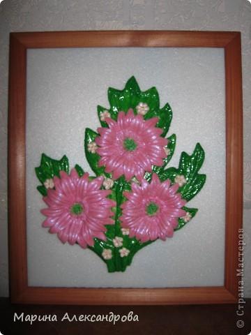 Герберы...очень люблю эти цветы! Они у меня первые...лепила для мамы на день рождения...но вот думаю, не великовата ли рамочка? Девочки подскажите, мне важно ваше мнение... фото 2