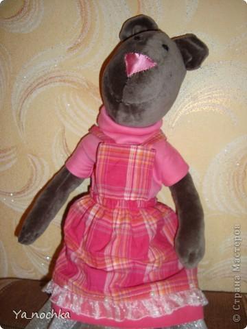 Это моя первая, собственного изготовления, но, надеюсь, не последняя игрушка Тильда медведиха Элизабет))))))) Вот такая розовенькая она у меня получилась!