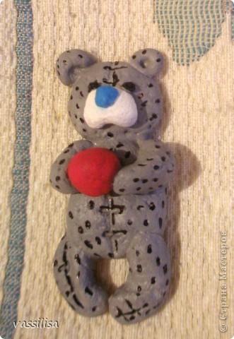 Всем доброго времени суток! Вот, готов мой мишка Тедди. Хоть он мало похож на заявленного, но я старалась. Пока не решила куда его пристроить... фото 1