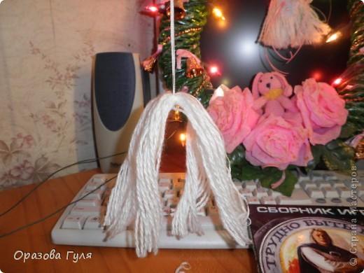 Помпоны удлиненные на туловище и волосы. фото 3
