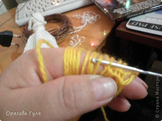 Помпоны удлиненные на туловище и волосы. фото 9