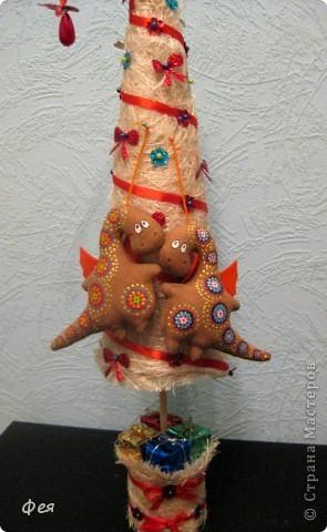 Готовилась я к выставке ярмарке новогодней , нашила - расписала 10 кофейных дракончиков , для поддержания новогодней тематики и расширения ассортимента и ценового диапазона:))) дракошами вдохновлялась тут: https://stranamasterov.ru/node/277714?tid=1136 фото 5