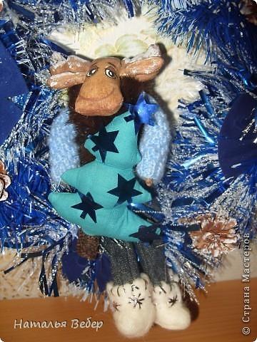 """Открывает его лосик от """"ЛеНкина"""".Вот такой печенюшный лосик!!!Ароматный,я в этом уверена,вгзляд озорной!!!Веночек получился яркий-праздничный.Леночка,молодечика!!! фото 13"""