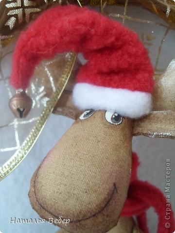 """Открывает его лосик от """"ЛеНкина"""".Вот такой печенюшный лосик!!!Ароматный,я в этом уверена,вгзляд озорной!!!Веночек получился яркий-праздничный.Леночка,молодечика!!! фото 26"""