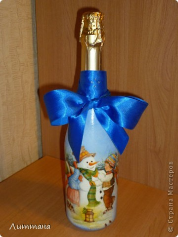 Вот такая бутылочка задекупажилась к наступающему празднику. фото 1