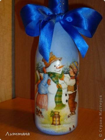 Вот такая бутылочка задекупажилась к наступающему празднику. фото 2