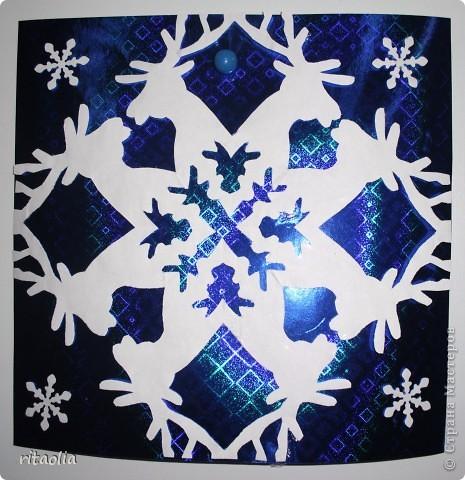 Такие снежинки увидела в СМ у ДЕТСАД: http://stranamasterov.ru/node/266034?tid=1743  Шаблоны для работы взяла здесь: http://homemosaic.ru/sneg.php      фото 3