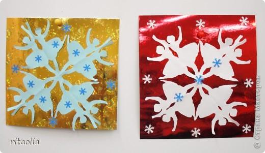 Такие снежинки увидела в СМ у ДЕТСАД: http://stranamasterov.ru/node/266034?tid=1743  Шаблоны для работы взяла здесь: http://homemosaic.ru/sneg.php      фото 2