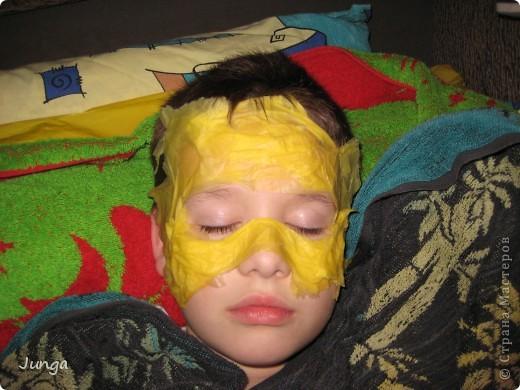 У сына в школе новогодний бал - девочки в платьях в пол, мальчики в костюмах, обязательный для всех атрибут - маска. В магазинах всё одинаковое или очень дорогое, решила поэкспериментировать... фото 2