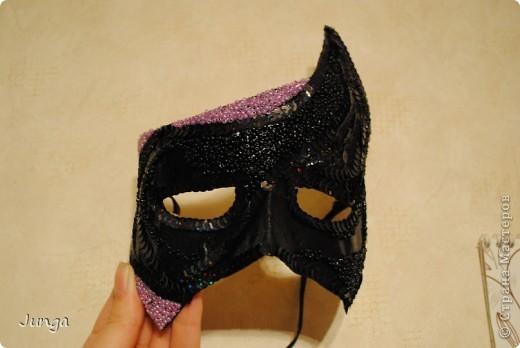 У сына в школе новогодний бал - девочки в платьях в пол, мальчики в костюмах, обязательный для всех атрибут - маска. В магазинах всё одинаковое или очень дорогое, решила поэкспериментировать... фото 5