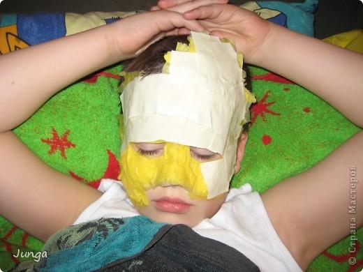 У сына в школе новогодний бал - девочки в платьях в пол, мальчики в костюмах, обязательный для всех атрибут - маска. В магазинах всё одинаковое или очень дорогое, решила поэкспериментировать... фото 3