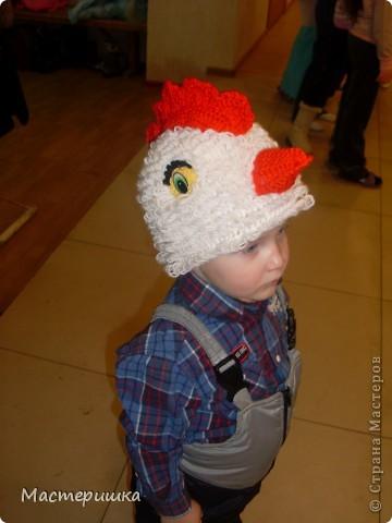 Такие шапочки для новогодних костюмов хорошо использовать для детей самого младшего возраста, проверено! После праздника шапочка отправится в детсадовский театр и ещё долго будет радовать ребятишек! фото 1