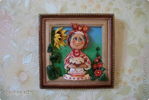 такая маленькая картинка с доброй бабуличкой у меня получилась.Предлагает откушать варенички.